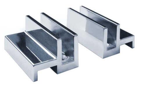 Zuhanyzó üvegfal padlóra szerelhető tartó szerkezete