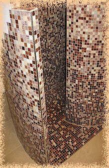 Csiga vonalban épített zuhanyzó nagyobb helyigényével ugyankkor szembe tünő jelenségével kápráztat el