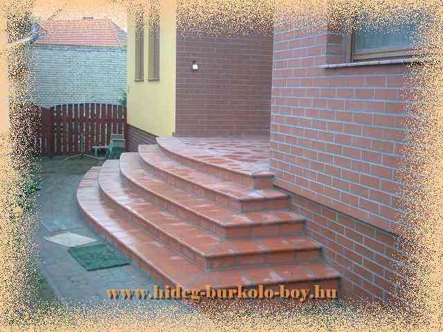 Íves lépcső klinker burkoló lapokkal