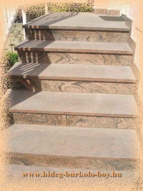 Lépcső csiszolt gránit burkoló lapokkal