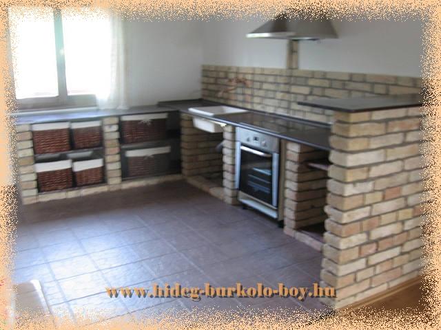 Tisztított téglával is remek konyhapultot lehet építeni.