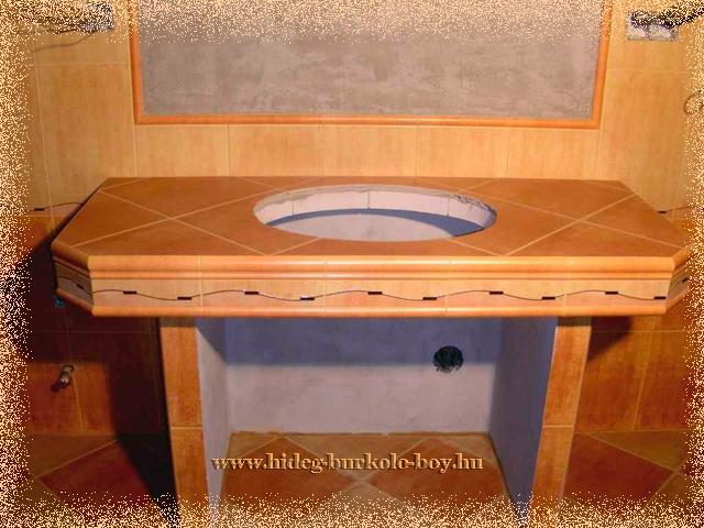 Helytakarékos módón épített mosdó használata kényelmes.