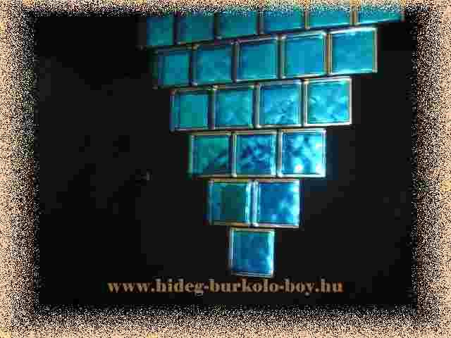 színes üvegtégla hatása