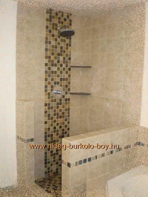 Kád mellett kialakított zuhanykabin